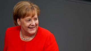 Σε συμφωνία για τις μεταρρυθμίσεις της ΕΕ ως τα τέλη Ιουνίου ελπίζει η Μέρκελ