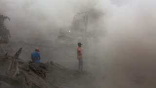Γουατεμάλα: Διακόπηκαν οι έρευνες για τον εντοπισμό επιζώντων υπό το φόβο νέων εκρήξεων