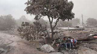 Εκατόμβη νεκρών στη Γουατεμάλα - Σταμάτησαν προσωρινά οι έρευνες διάσωσης