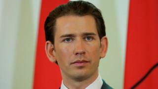 Αυστρία: Ο Κουρτς κλείνει επτά τεμένη και απελαύνει ιμάμηδες