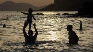 «Πιο ζεστό από το κανονικό» το φετινό καλοκαίρι σε Ευρώπη και Μεσόγειο