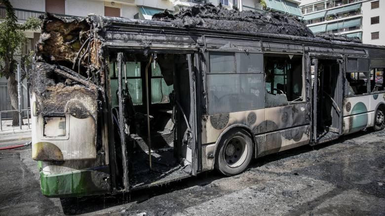 Φωτιά σε λεωφορείο στα Κάτω Πατήσια