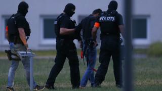 Ο Ιρακινός ύποπτος για τη δολοφονία μιας 14χρονης κοπέλας παραδόθηκε στη Γερμανία