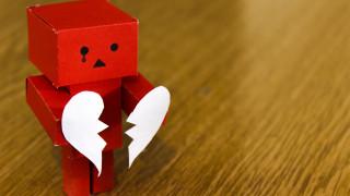 Η μοναξιά «ραγίζει» την καρδιά