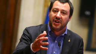 Ο Ιταλός ΥΠΕΣ εξηγεί γιατί η Ιταλία κλείνει τα λιμάνια της στους μετανάστες