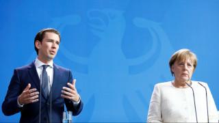 Μέρκελ - Κουρτς συμφωνούν στην ανάγκη ενίσχυσης των εξωτερικών συνόρων της Ε.Ε.