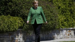 Εκπρόσωπος Μέρκελ: Η κυβέρνηση ενημερωνόταν συχνά για τις διαπραγματεύσεις Αθήνας - Σκοπίων