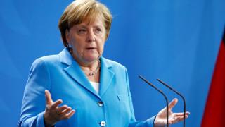 Μέρκελ: Η μεταναστευτική πολιτική αποφασιστικής σημασίας τεστ για το μέλλον της Ευρώπης