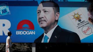 Μειώνεται συνεχώς η δημοτικότητα του Ερντογάν