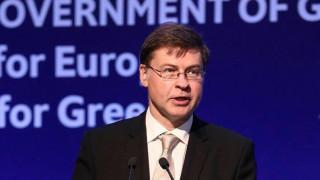 Ντομπρόβσκις: Η Ελλάδα να λάβει μια εμπροσθοβαρή μείωση χρέους