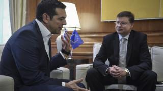 Ντομπρόβσκις: H οικονομία της Ελλάδας έχει καλές δυνατότητες ανάκαμψης