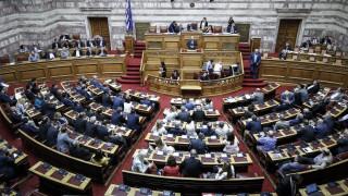 «Μετωπική» κυβέρνησης-ΝΔ για την πρόταση μομφής