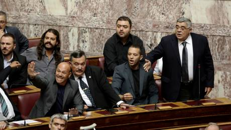 Εκτός Κοινοβουλευτικής Ομάδας της Χρυσής Αυγής ο Μπαρμπαρούσης