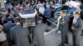 Θλίψη στην κηδεία της συζύγου του Πύρρου Δήμα