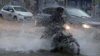 Κακοκαιρία: Βροχές και καταιγίδες φέρνει ο «Μίνωας»