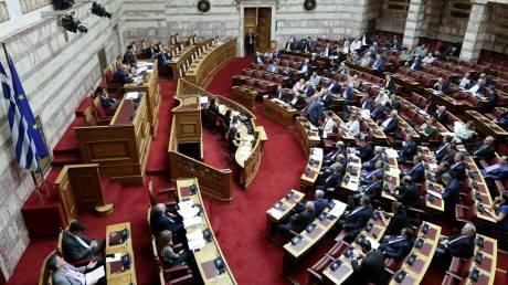 Νέα αντιπαράθεση στη Βουλή για τη διάρκεια της συζήτησης