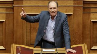 Σταθάκης: Μόνο θετικά να απαντήσουμε στη συμφωνία με την πΓΔΜ