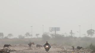 Η ατμοσφαιρική ρύπανση «εξαφάνισε» το Νέο Δελχί από τον χάρτη