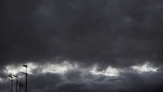 Σφοδρή βροχόπτωση και χαλάζι στην Κρήτη (vid)
