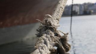 Σχοινί πλοίου παρέσυρε αυτοκίνητο στο λιμάνι της Καλύμνου