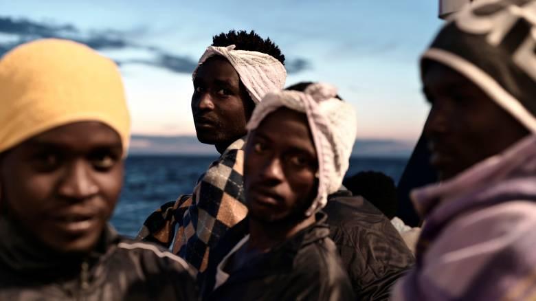 Φτάνει στην Ισπανία το Aquarius με τους εκατοντάδες μετανάστες