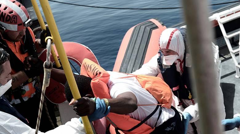 Ισπανία: Έφθασαν στη Βαλένθια διασωθέντες από το πλοίο Aquarius