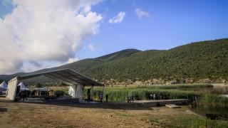Τσίπρας-Ζάεφ υπογράφουν στις Πρέσπες τη συμφωνία για την ονομασία της πΓΔΜ
