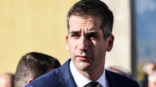 Κώστας Μπακογιάννης: «Το πανηγύρι σχόλασε» στο θέμα των εξετάσεων για άδειες οδήγησης