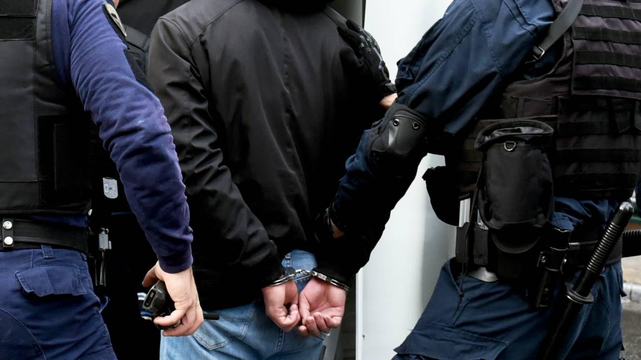 Σύλληψη νεαρού για επιθέσεις σε βάρος αλλοδαπών στις Αχαρνές