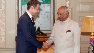 Σε θερμό κλίμα η συνάντηση Μητσοτάκη με τον πρόεδρο της Ινδίας