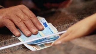 Θα πληρωθούν φόροι ύψους 8 δισ. ευρώ μέσα σε 215 ημέρες