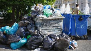 Τα σκουπίδια «πνίγουν» την Αθήνα