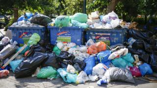Τα σκουπίδια «πνίγουν» ξανά την Αθήνα