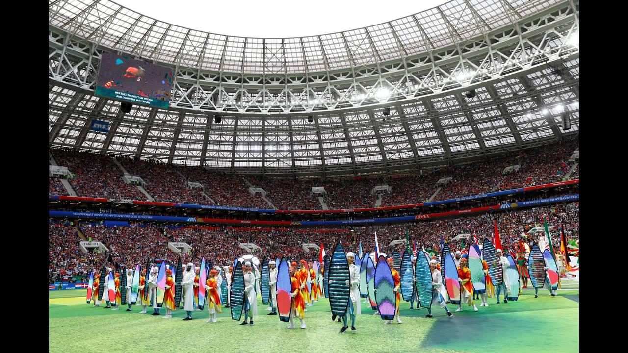 https://cdn.cnngreece.gr/media/news/2018/06/19/135129/photos/snapshot/2018-06-14T144420Z_1043627746_RC14F9AB7EE0_RTRMADP_3_SOCCER-WORLDCUP-RUS-SAU-OPENING-CEREMONY.jpg