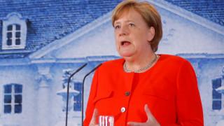 Μέρκελ: Ελπίζω ότι θα κάνουμε με την Ελλάδα το τελευταίο βήμα στο πρόγραμμα