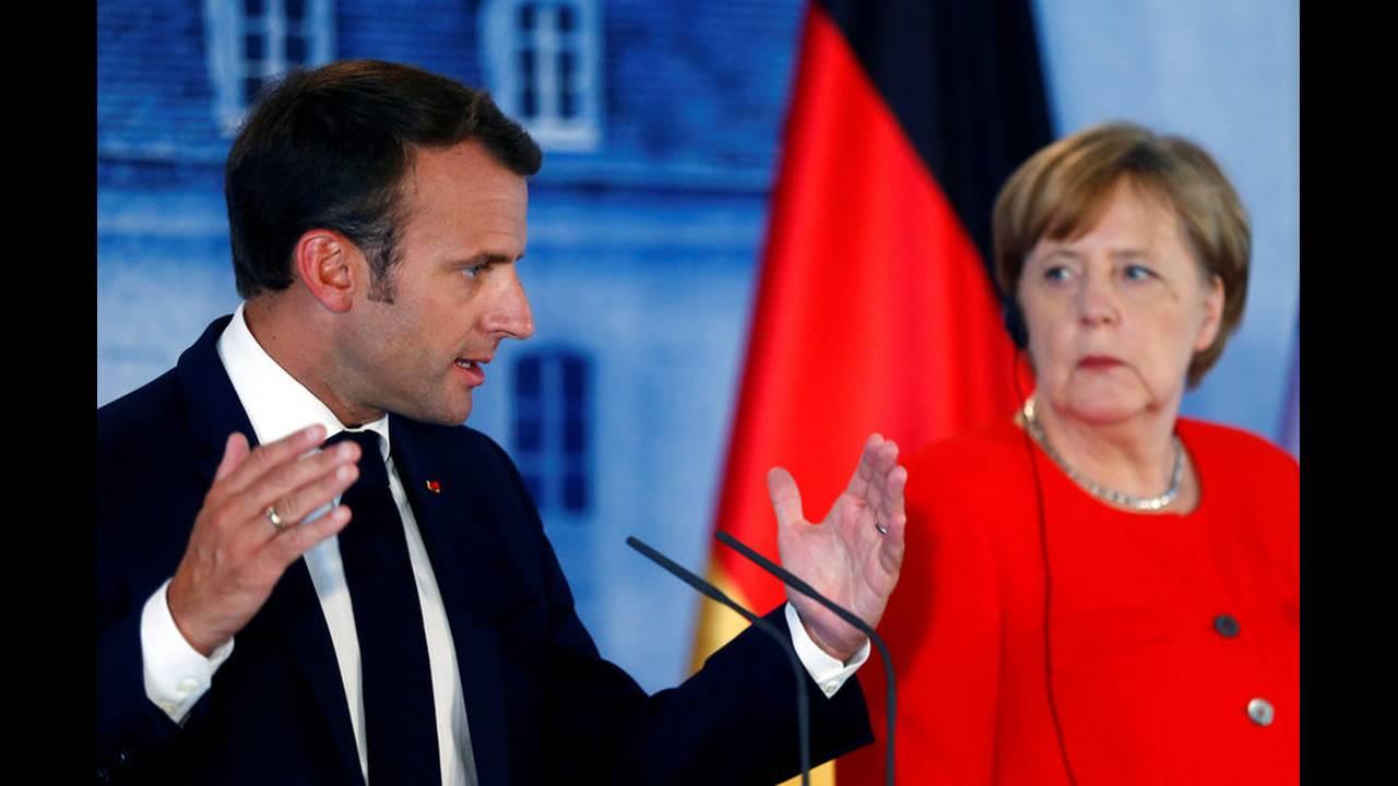 https://cdn.cnngreece.gr/media/news/2018/06/19/135164/photos/snapshot/2018-06-19T150035Z_1589291215_RC1CB939E8F0_RTRMADP_3_GERMANY-FRANCE-EUROZONE.jpg