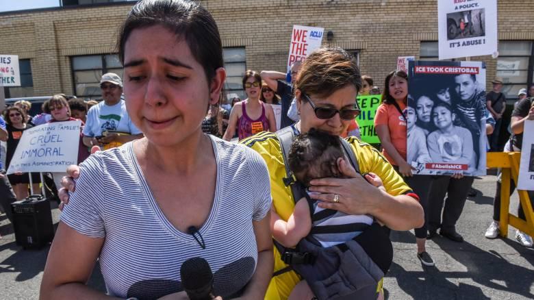 Το Μεξικό καταδικάζει τον «σκληρό και απάνθρωπο» χωρισμό των οικογενειών μεταναστών