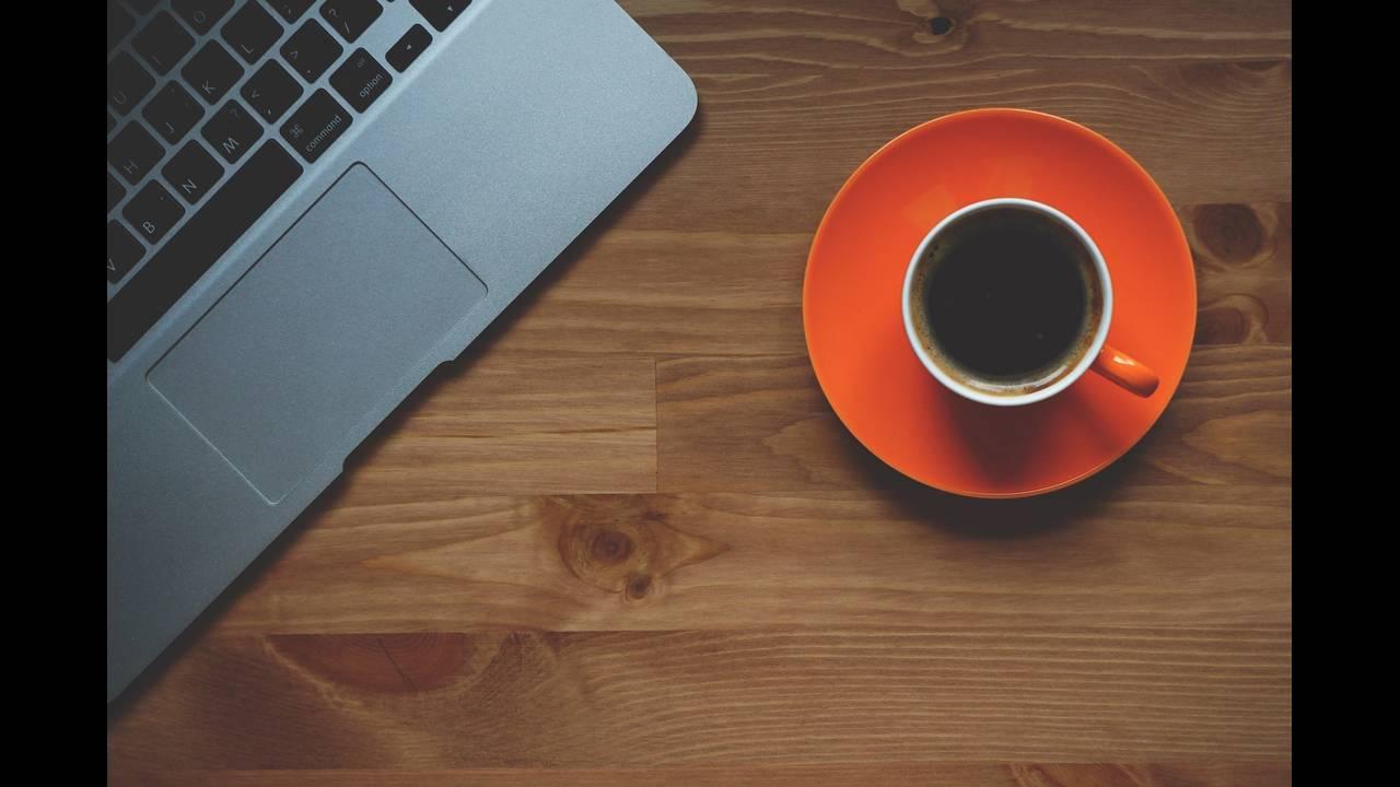 https://cdn.cnngreece.gr/media/news/2018/06/20/135195/photos/snapshot/cup-of-coffee-1280537_1920.jpg