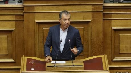 Θεοδωράκης: Θα ψηφίσουμε τη συμφωνία, αλλά δεν θα στηρίξουμε την κυβέρνηση