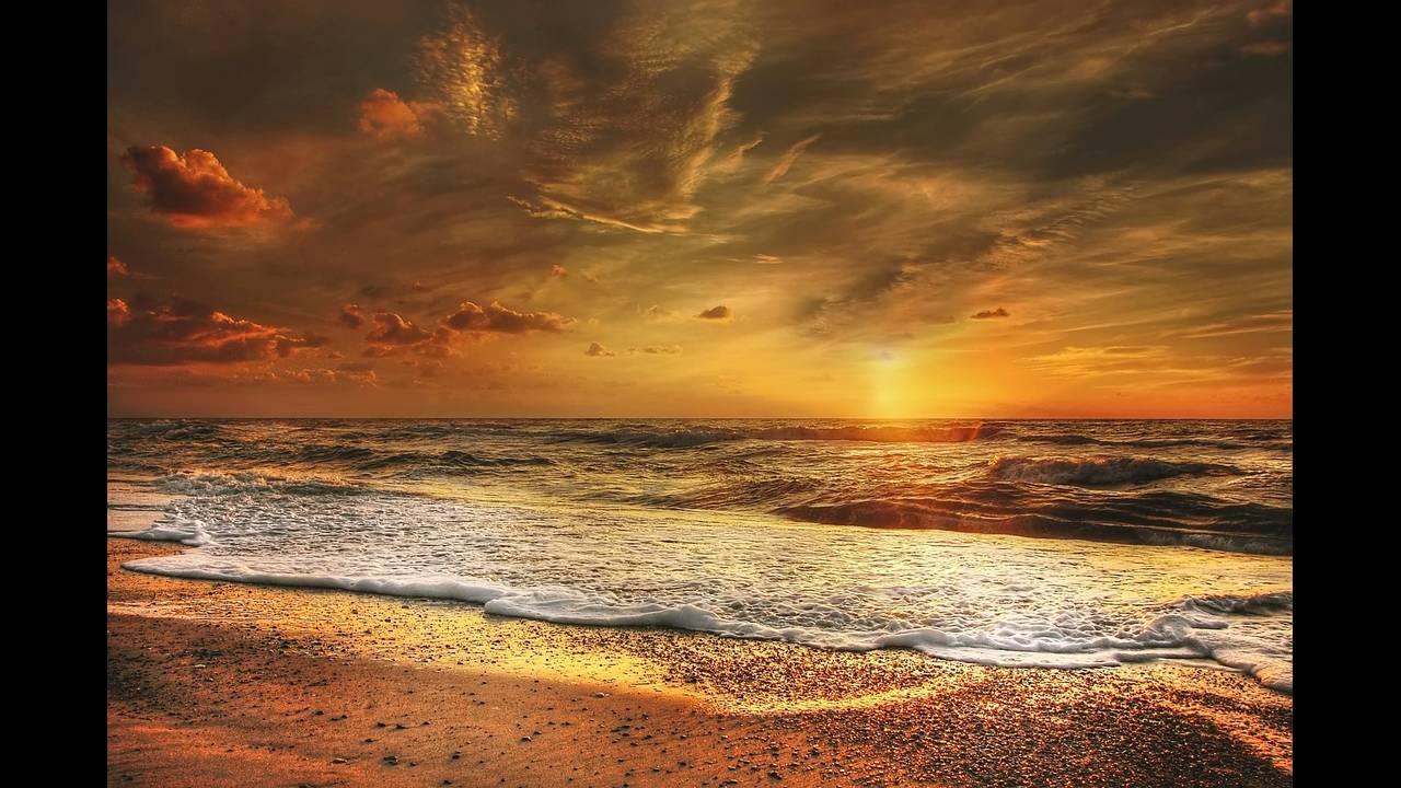 https://cdn.cnngreece.gr/media/news/2018/06/20/135250/photos/snapshot/sunset-2191645_1920.jpg