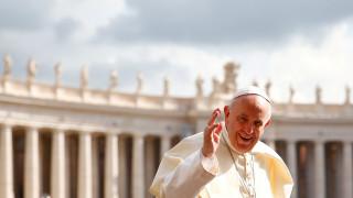 Ο πάπας κατακρίνει τον Τραμπ: «Ο λαϊκισμός δεν αποτελεί λύση»