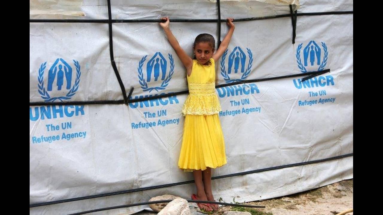 https://cdn.cnngreece.gr/media/news/2018/06/20/135280/photos/snapshot/2018-06-13T133541Z_332865817_RC17196BA1A0_RTRMADP_3_MIDEAST-CRISIS-LEBANON-SYRIA-REFUGEES.jpg