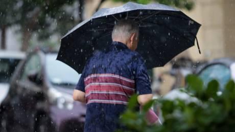 Καιρός: Πιθανότητα καταιγίδων σε νησιά και ορεινά την Παρασκευή