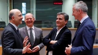 Συμφωνία για το ελληνικό χρέος: 10ετής επιμήκυνση και δόση 15 δισ. ευρώ