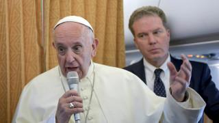«Εξαιρετικά γενναιόδωρες»: Ο πάπας επαινεί την Ελλάδα και την Ιταλία ως προς το μεταναστευτικό