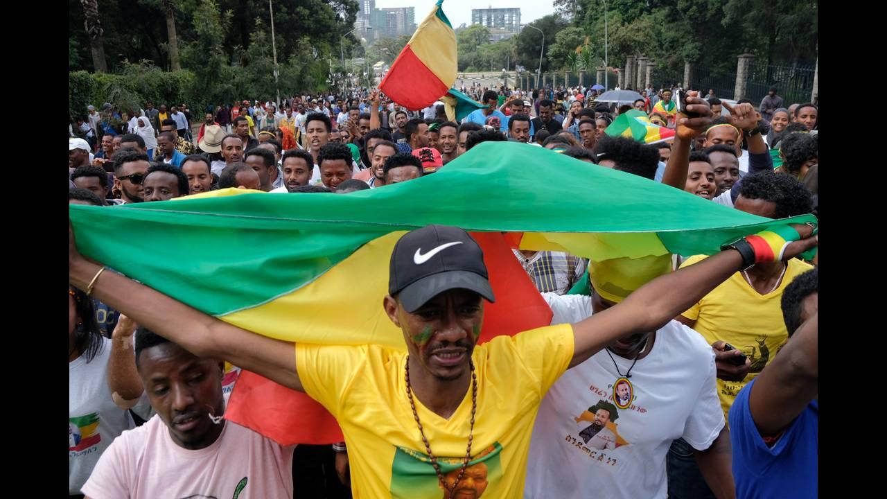 https://cdn.cnngreece.gr/media/news/2018/06/23/135717/photos/snapshot/2018-06-23T082742Z_1535051378_RC181FD3B040_RTRMADP_3_ETHIOPIA-POLITICS.JPG