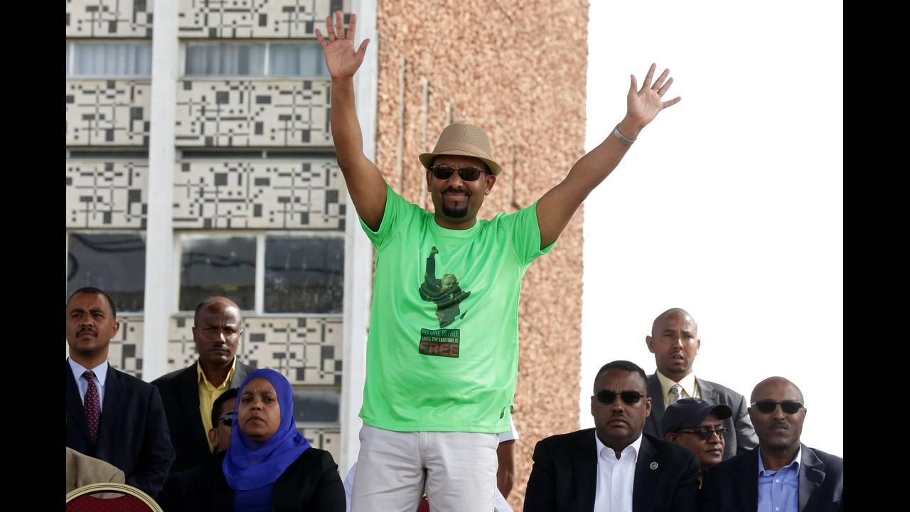https://cdn.cnngreece.gr/media/news/2018/06/23/135717/photos/snapshot/2018-06-23T091810Z_1537100594_RC178B70BD80_RTRMADP_3_ETHIOPIA-POLITICS.JPG