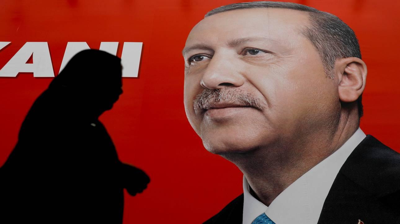 Τουρκικές εκλογές: Η πιο μεγάλη ζαριά του Ερντογάν