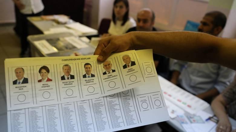 Εκλογές Τουρκία: Στις κάλπες 60 εκατομμύρια ψηφοφόροι
