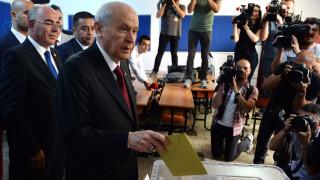 Εκλογές Τουρκία: Ψήφισε ο «Γκρίζος Λύκος» Μπαχτσελί